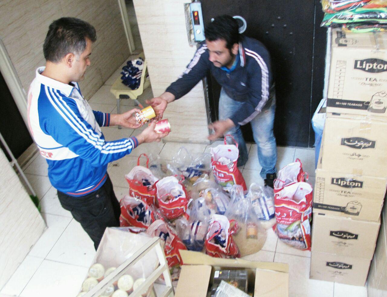 اهدای سبد کالای ضروری خانوار به کودکان کار